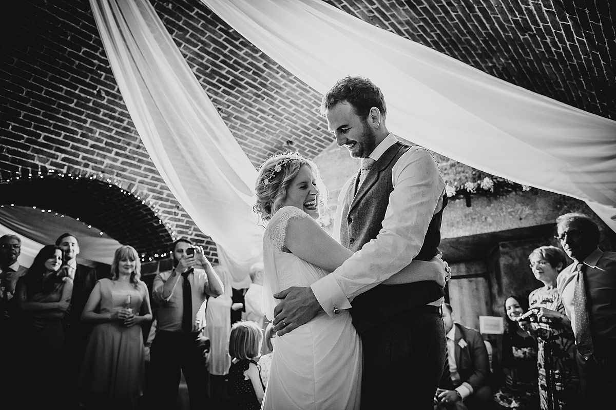 reportage-wedding-photographer-south-west (120)