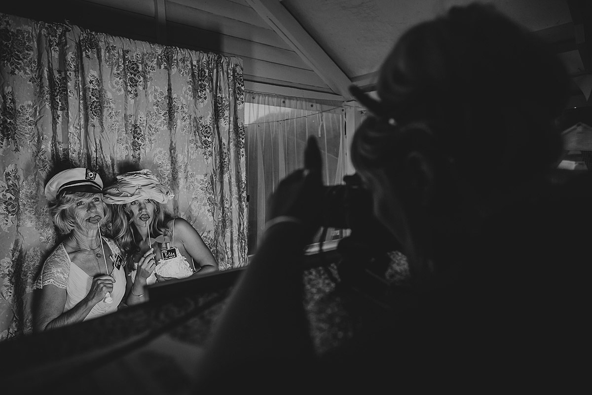 reportage-wedding-photographer-south-west (63)