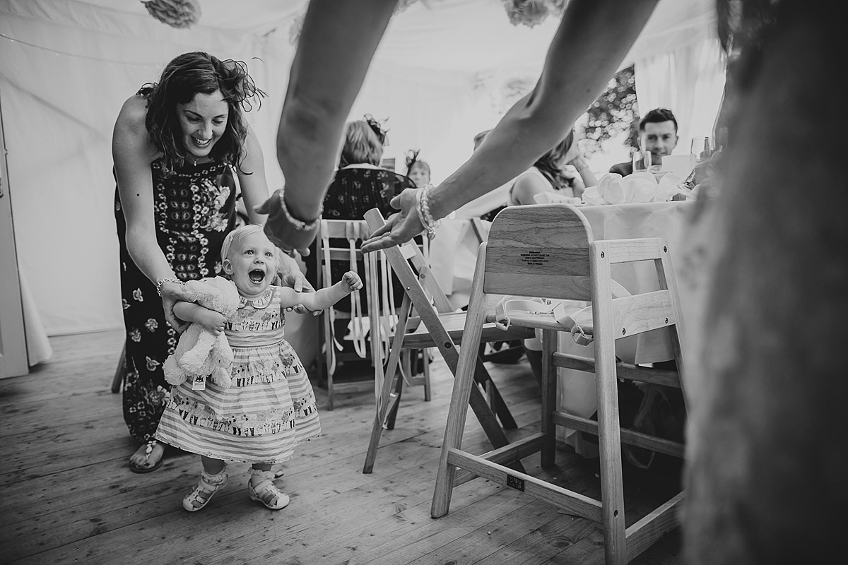 reportage-wedding-photographer-south-west (96b)