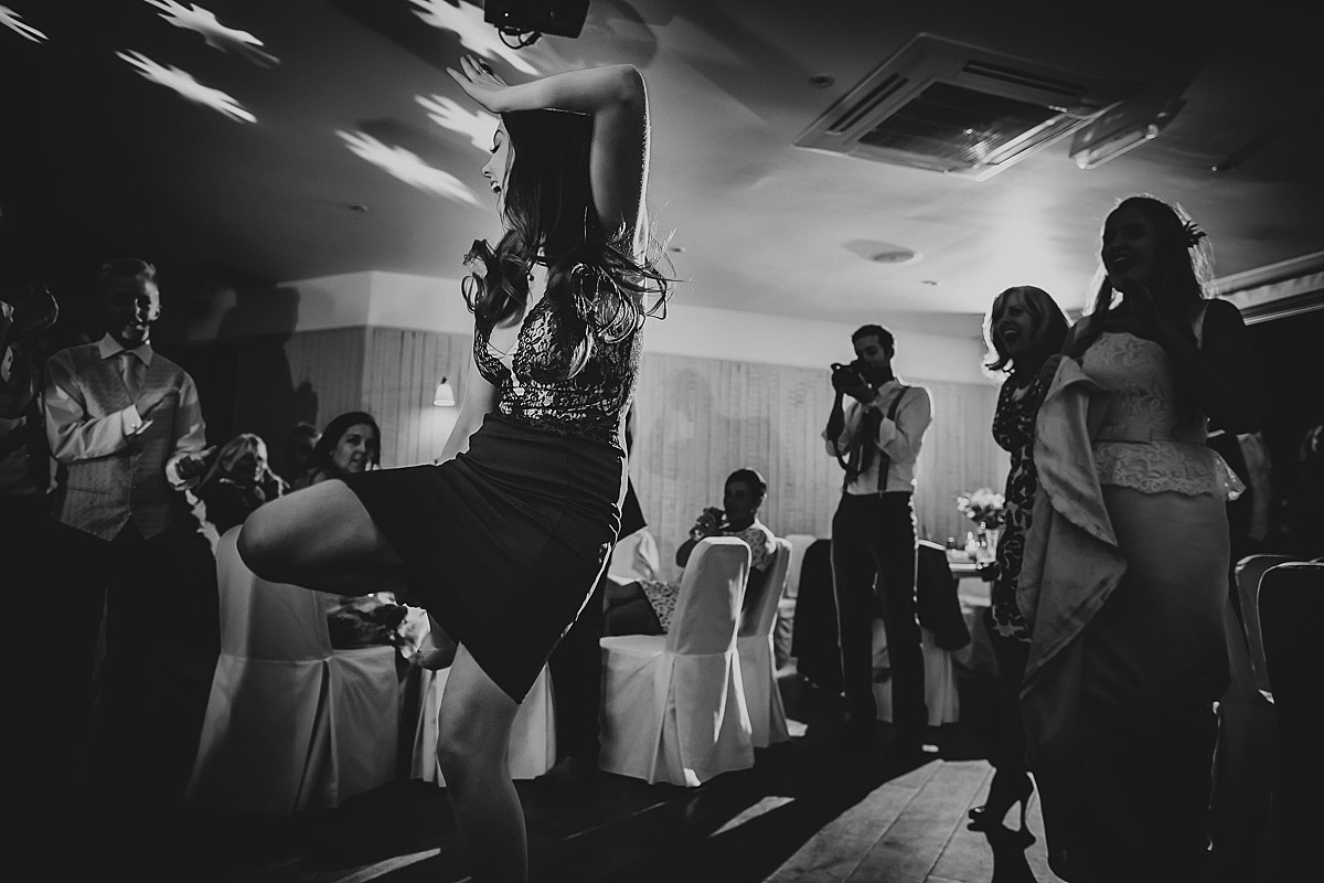 reportage-wedding-photographer-south-west (99)