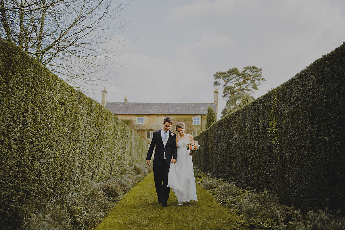 guyers-house-documentary-wedding-photography-corsham (27)