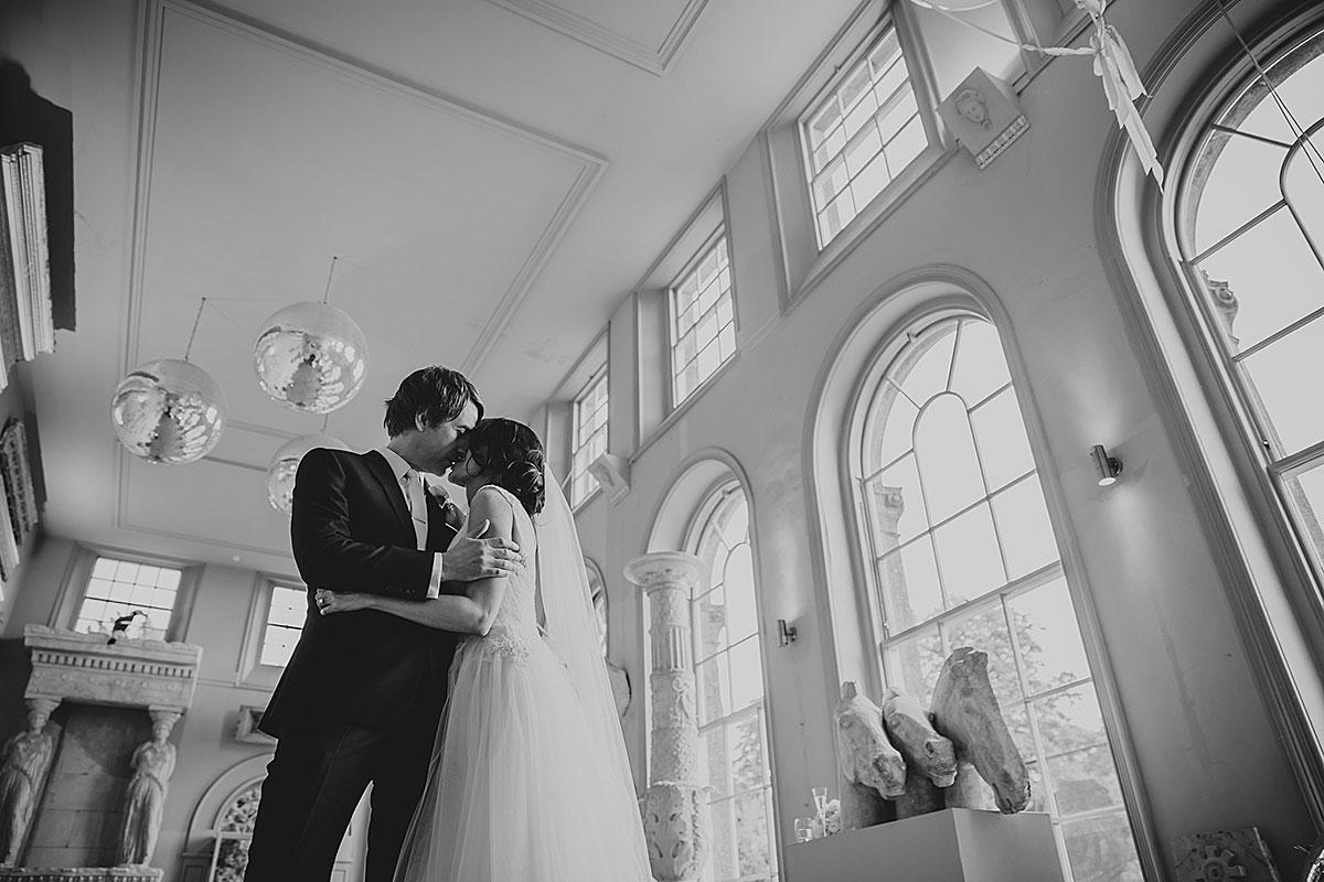 Aynhoe-Park-Wedding-Photographer (45)
