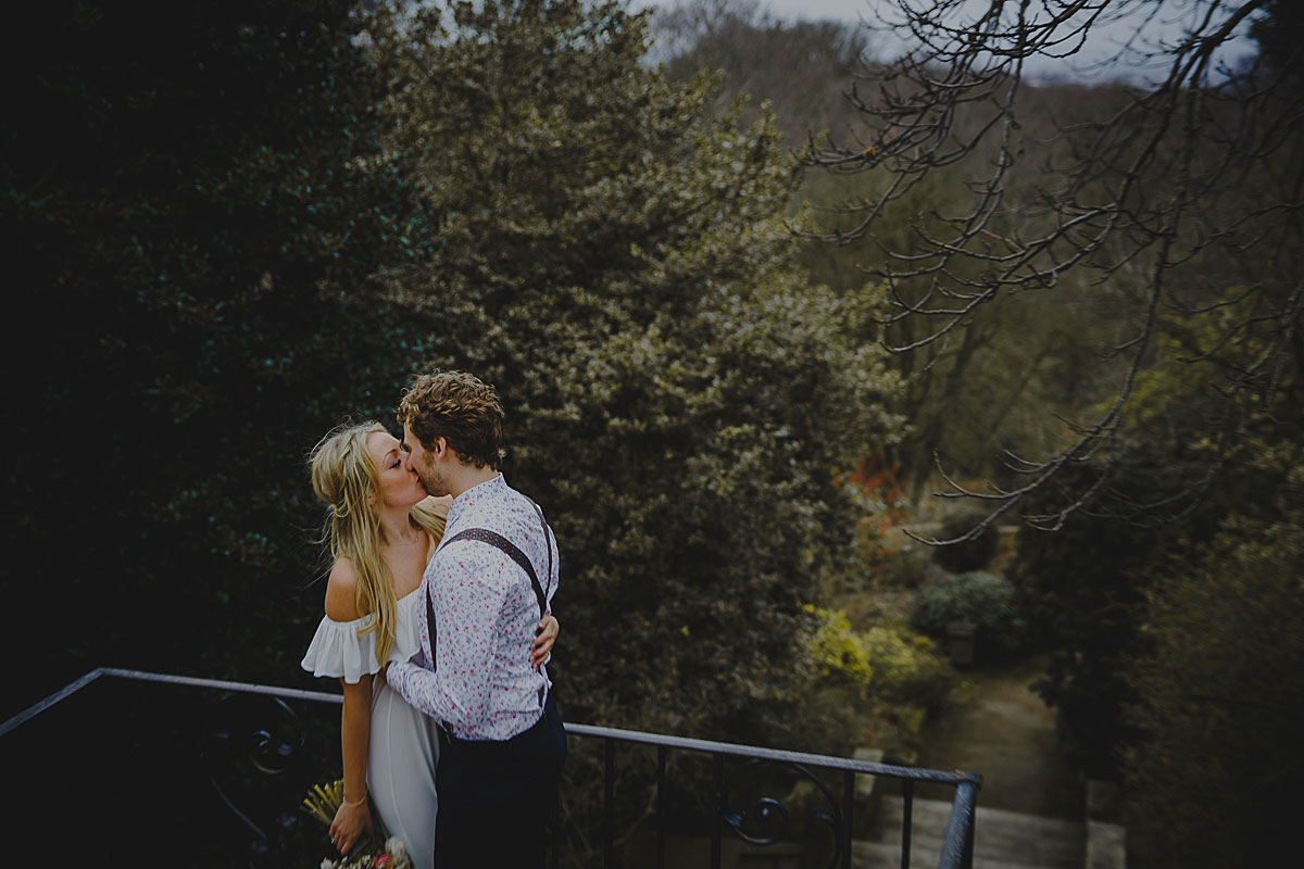 Hampstead-Heath-Hill-Garden-and-Pergola-wedding-photographer