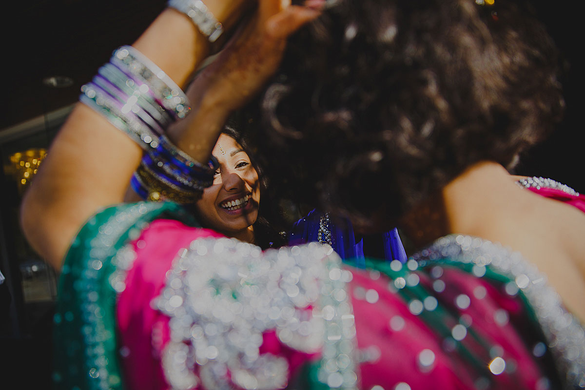 documentary-hindu-wedding-photographer-london (13)