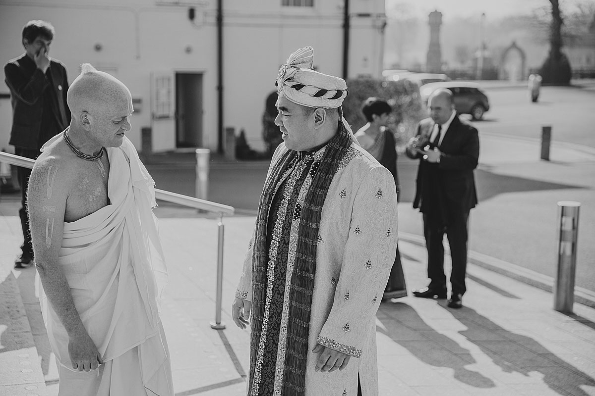 documentary-hindu-wedding-photographer-london (15)