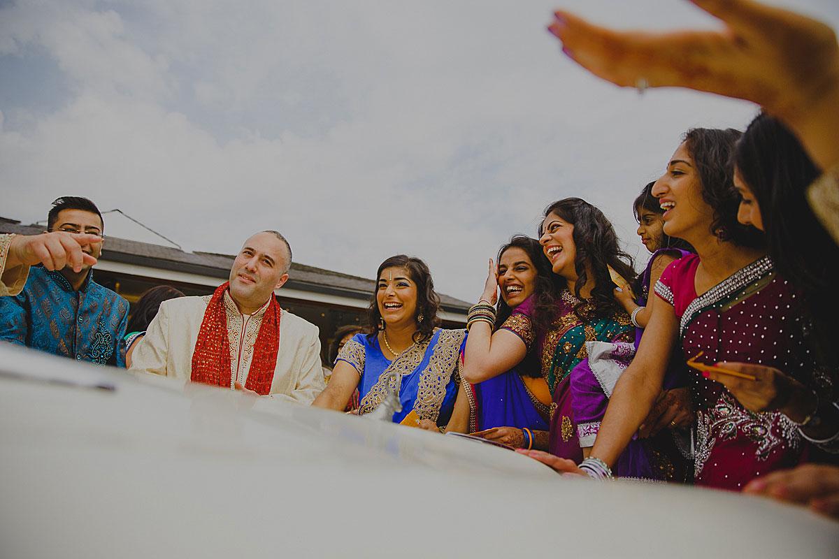 documentary-hindu-wedding-photographer-london (28)