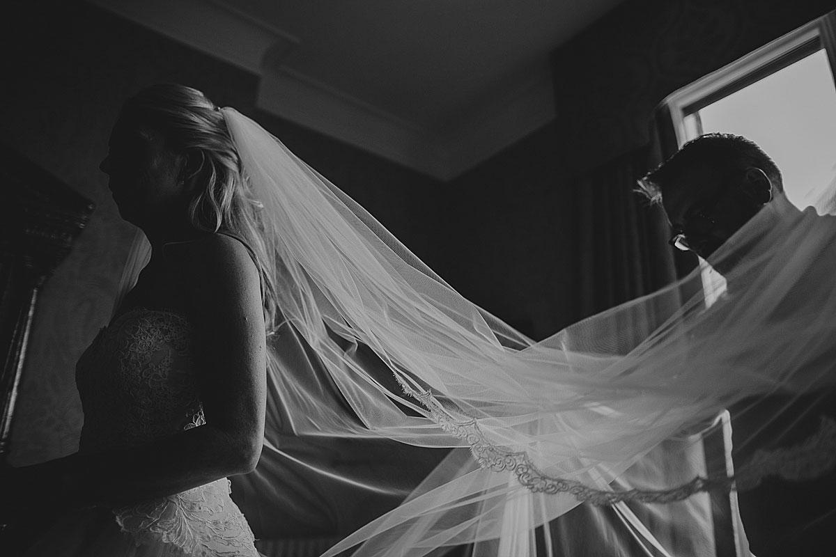 Kew-Gardens-Wedding-Photos-Black-and-white-wedding-photography (15)
