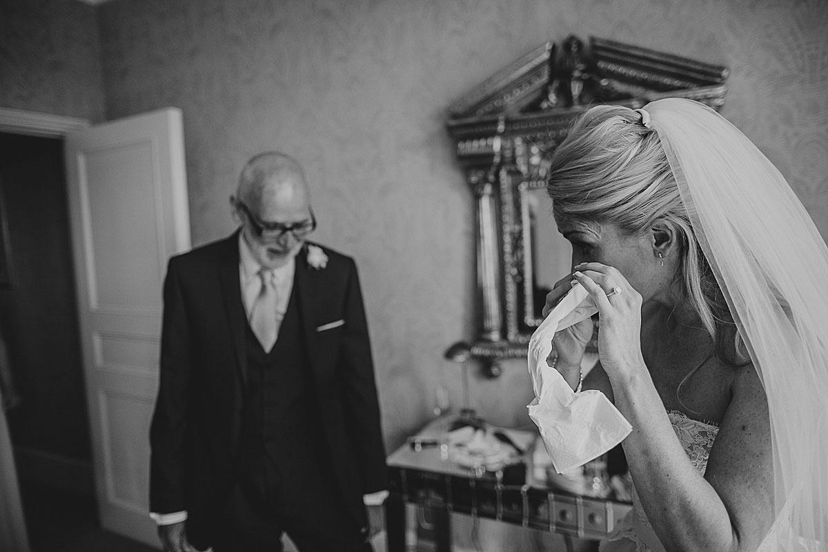 Kew-Gardens-Wedding-Photos-Black-and-white-wedding-photography (16)