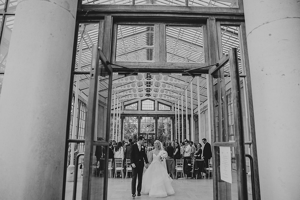 Kew-Gardens-Wedding-Photos-Black-and-white-wedding-photography (22)