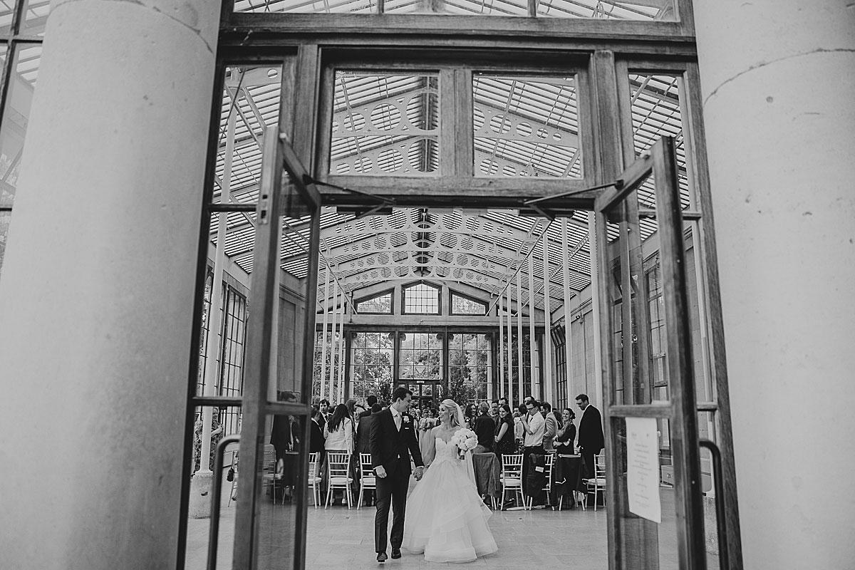 Kew-Gardens-Wedding-Photos-Black-and-white-wedding-photography (22)