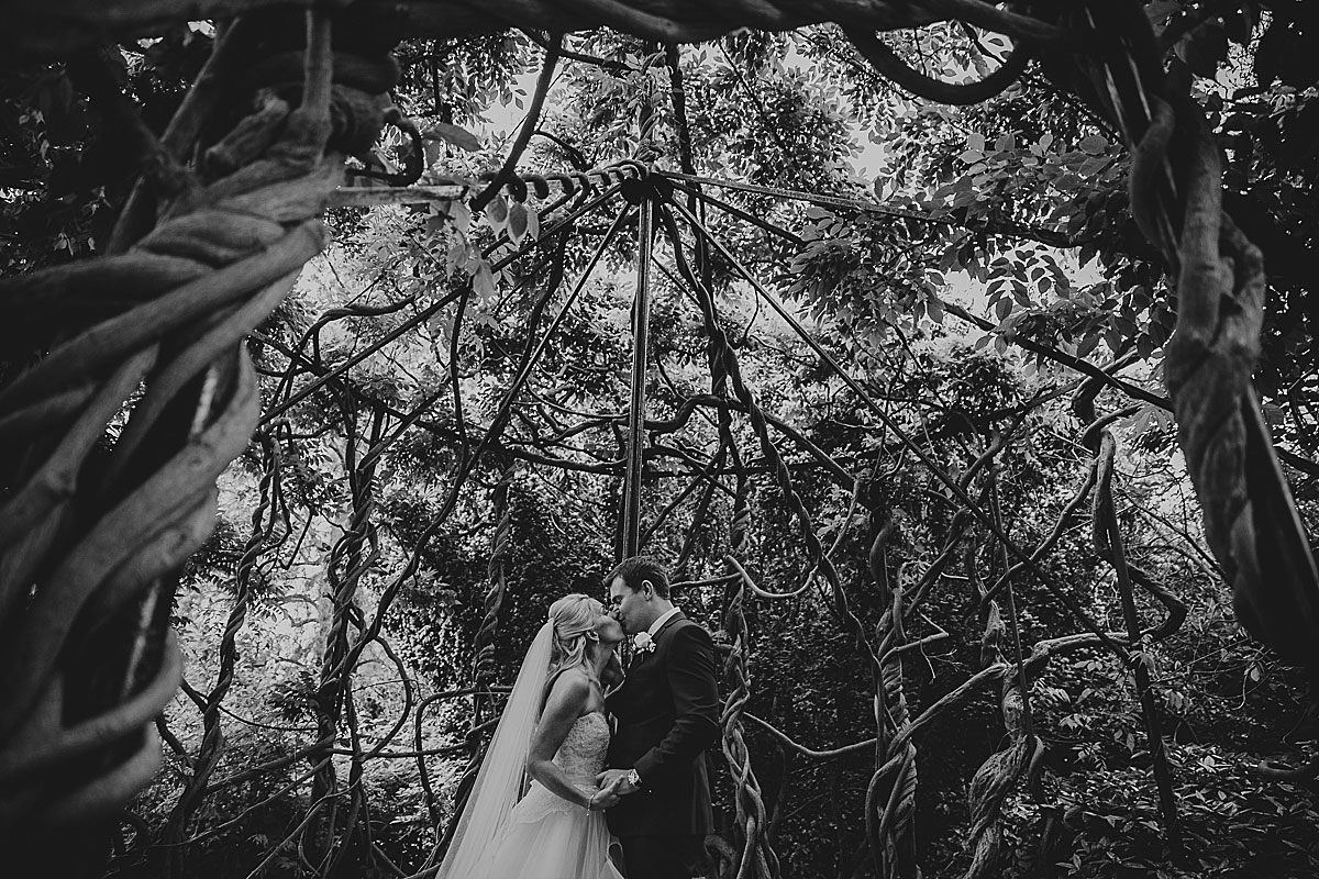 Kew-Gardens-Wedding-Photos-Black-and-white-wedding-photography (24)