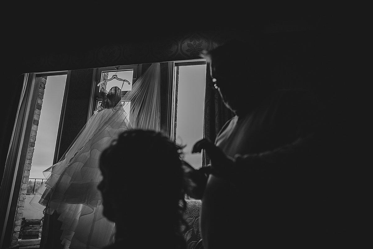 Kew-Gardens-Wedding-Photos-Black-and-white-wedding-photography (6)
