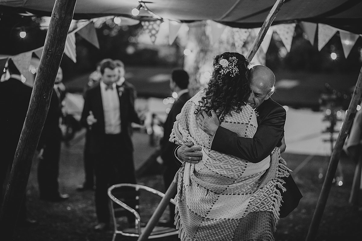 yurt-camp-devon-wedding-photographer (19)