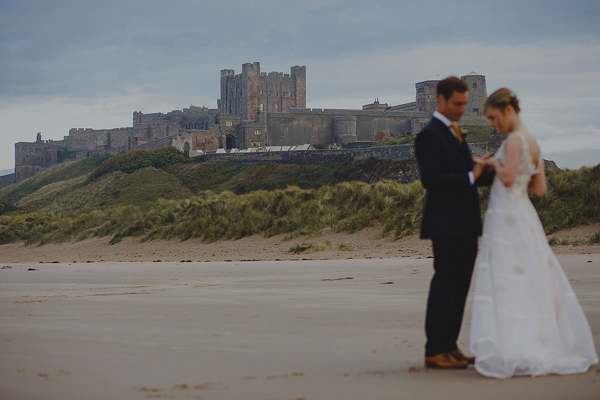 bamburgh-castle-wedding-photos-32b